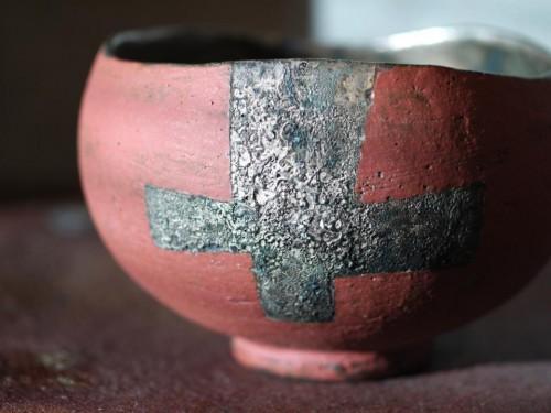 十字紋銀彩色絵茶碗